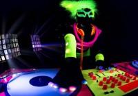 Les objets fluorescents : un meilleur moyen de personnaliser les fêtes